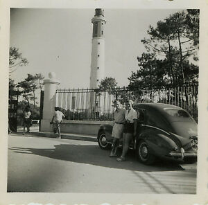 PHOTO-ANCIENNE-VINTAGE-SNAPSHOT-VOITURE-AUTOMOBILE-PHARE-CAR-LIGHTHOUSE