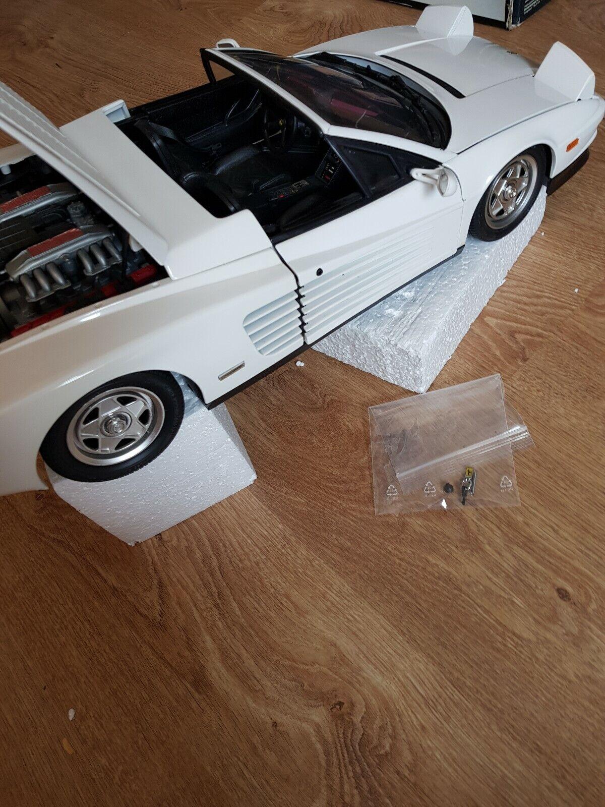 mejor reputación Ferrari TeEstrellaossa Spider blancoo 1 8 modelismo de Pocher Pocher Pocher  venta al por mayor barato