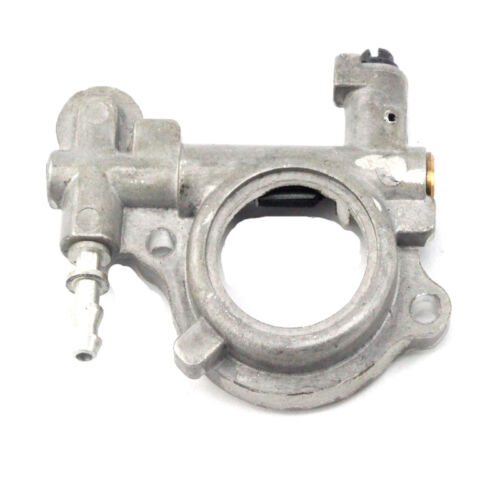Oil Pump Oiler For Stihl MS260 MS240 024 026 Chainsaw OEM 1121 007 1043 New