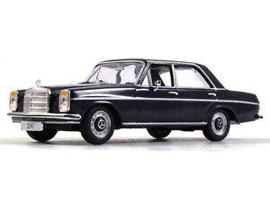Mercedes-Benz-200-W115-Mini-1968-ano-1-43-escala-diecast-coleccion-coche-modelo