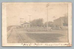 CH-amp-D-Railroad-Depot-RUSSELLVILLE-Indiana-RPPC-Putnam-County-Train-Station-Photo