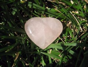Rose-Quartz-Heart-1-1-2-034-AAA-Brazil