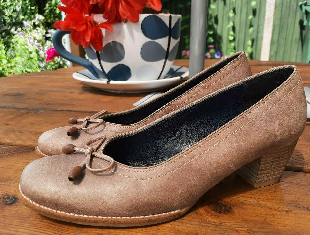 Ara ladies beige brown real leather mid heel court casual shoes size 5 G , bow