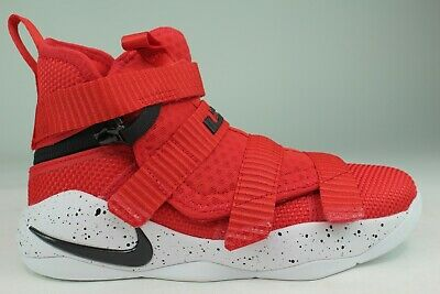 LEBRON SOLDIER XI FLYEASE YOUTH SIZE 1