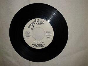 Patrick-Hernandez-You-Turn-Me-On-Disco-Vinile-45-Giri-7-034-Ed-Promo-Juke-Box