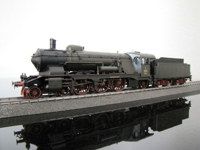 Märklin 31021-01, eine Dampflok der Reihe Württ. C neu in OVP, frei Haus!