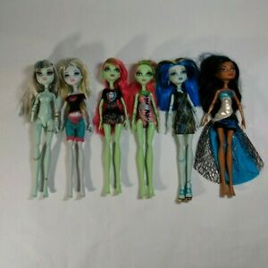 Mattel-Monster-High-Dolls-Lot-of-6-Mostly-Clothed-with-Misc-Accessories