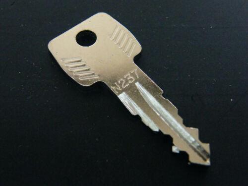 Thule Schlüssel N237 N 237 Ersatzschlüssel für Heckträger Dachboxen Dachträger