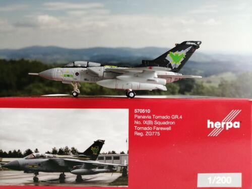 Herpa Wings 1:200 Panavia Tornado GR.4 Squadron B No IX Tornado Farewell