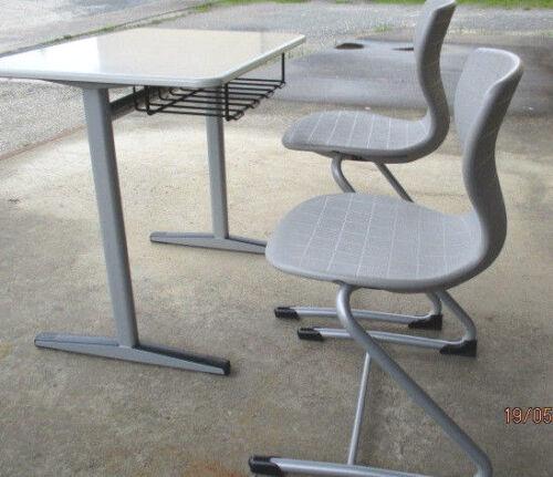 Schülertisch Einzeltisch Kufentisch  Modell UNO M   h  70 cm = 4   SH 5 grün