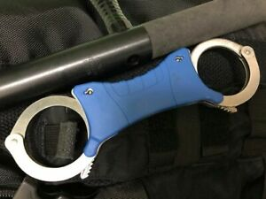 No locking Free shipping  .Training rigid handcuff