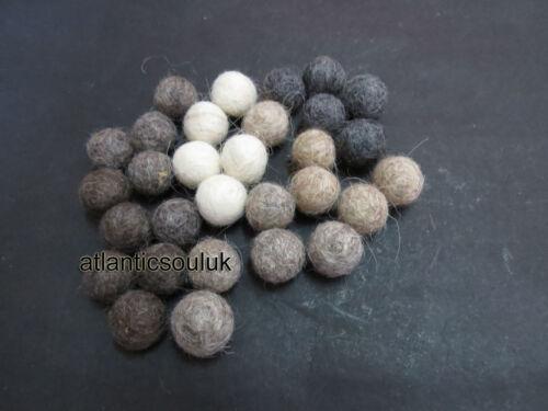 FB12 fabriqué à la main décorative 2cm//20mm 200pc Couleur Naturelle Laine Feutre Balle Nursery