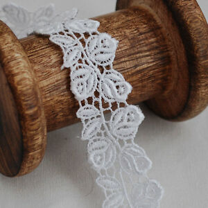 Guipure Lace Trim - Rose Flower - Bridal - Off White - 24mm Wide - GLOW04