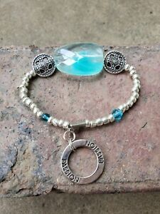 womens-silver-amp-blue-bead-Inspirational-Chained-Circle-of-034-passion-034-bracelet