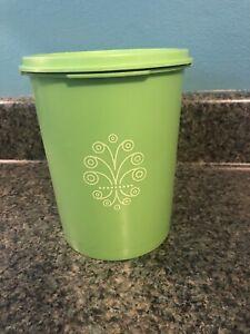 Tupperware-Servalier-Canister-Green-811-13-Vintage
