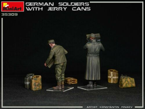 DE MINIART 35286-1//35 2 figures GERMAN SOLDIERS WITH JERRY CANS