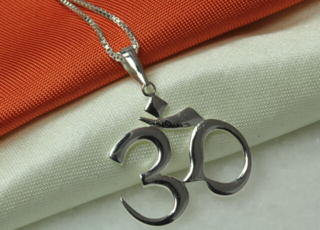 Brand  New !! Oms  In  Circles  Pendant   ! 925 Sterling  Silver