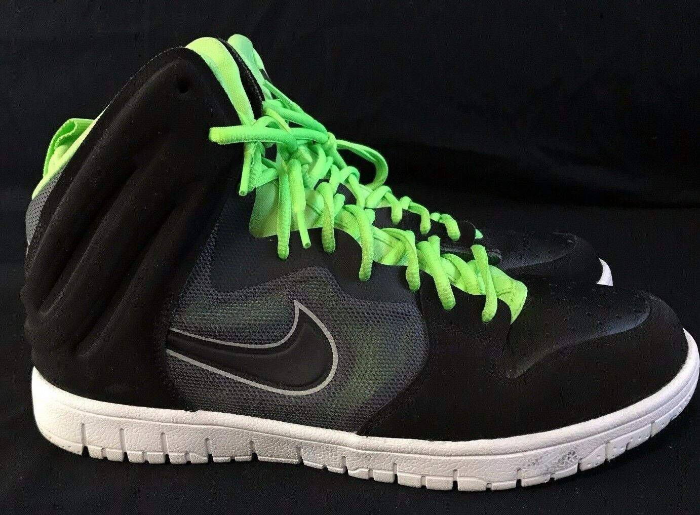 **NIKE** DUNK FREE MENS SHOES BLACK GREEN - SIZE 10
