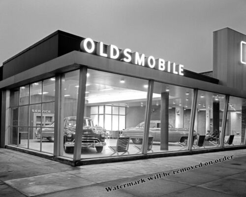 Photograph Crystal Motors Oldsmobile Dealership New York Year 1950  8x10