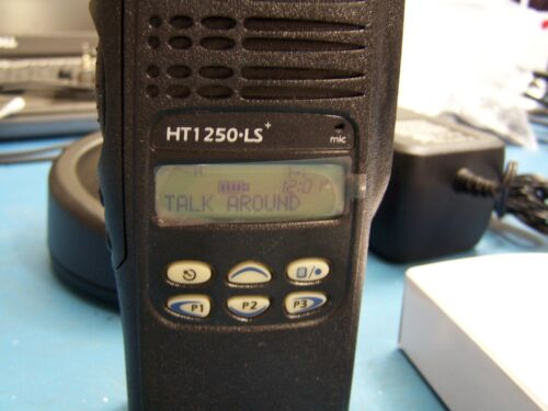 UHF 450-512MHz AAH25SDH9DP5AN Mint Tested Motorola HT1250 LS