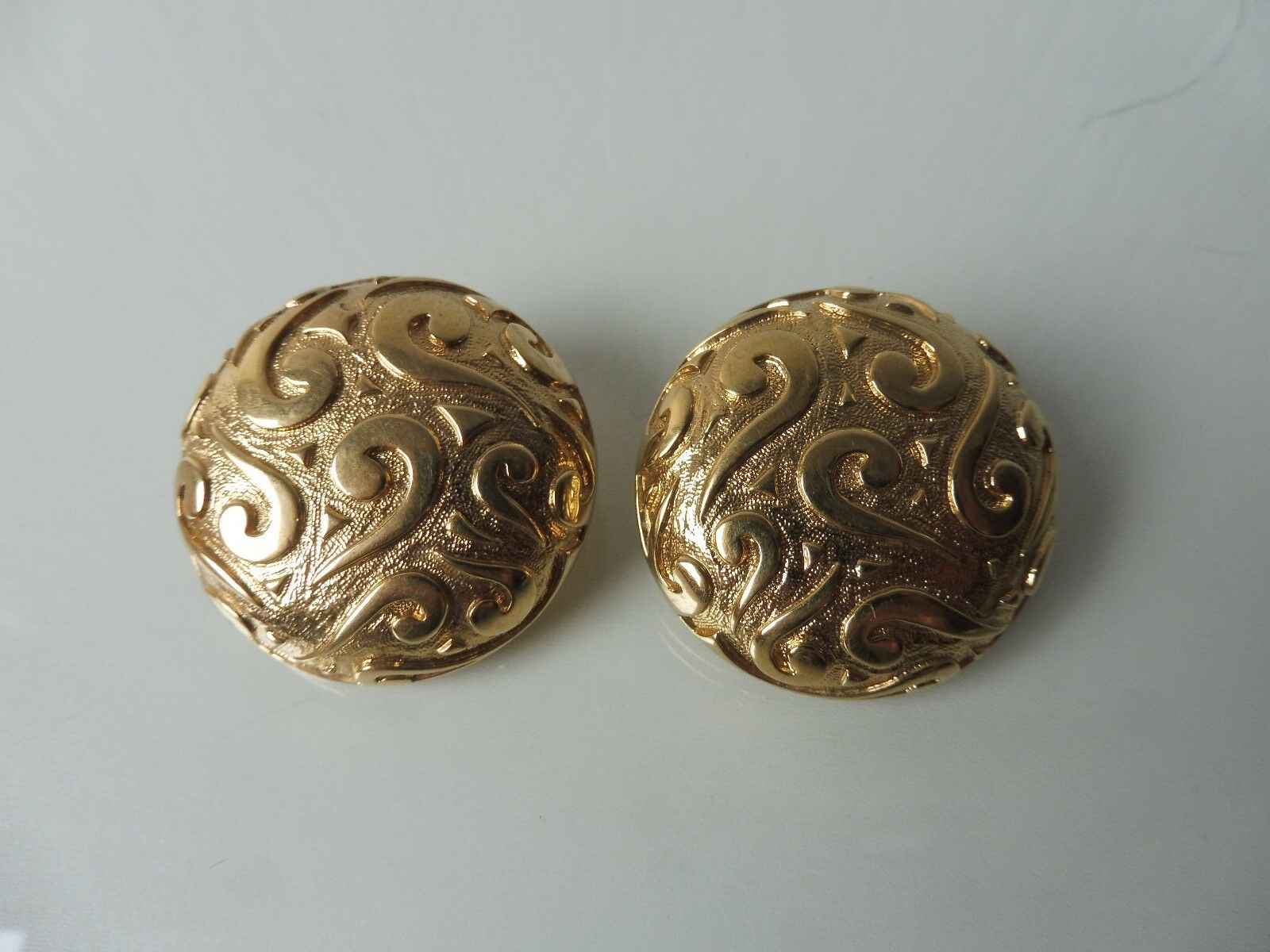 Beautiful Earrings Clips _ gold Plated with Ornament_Pierre Lang ___