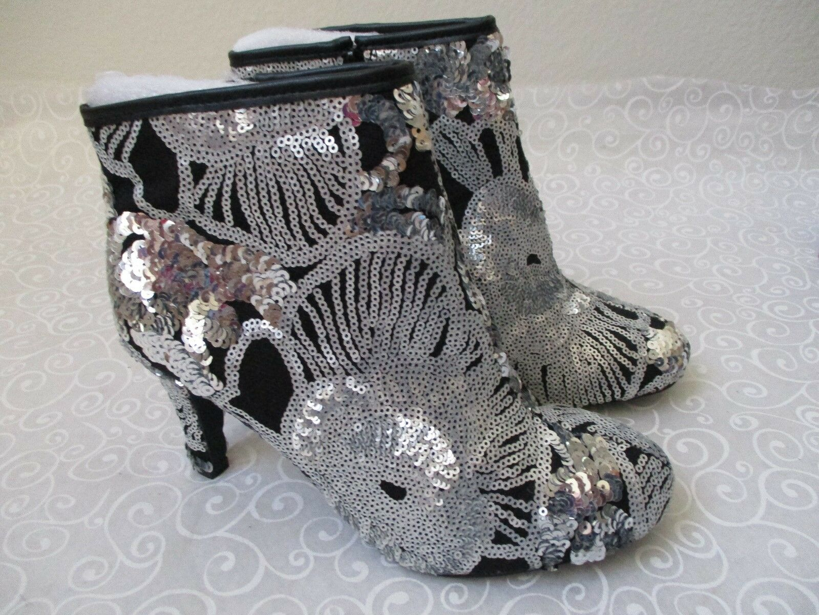 JOAN BOYCE BLACK & SILVER VELVET EMBROIDERED ANKLE BOOTS SIZE 9 W - NEW