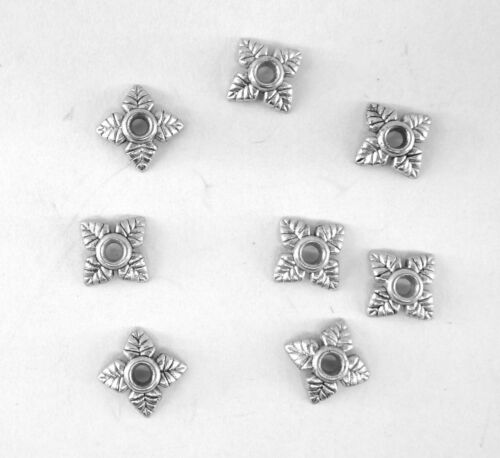 LOT DE 30 PERLES CALOTTES EN MÉTAL ARGENTÉ COUPELLES 5,5 mm,perles-cals015