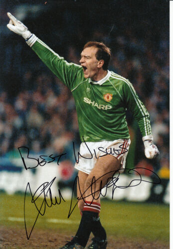 Manchester United Hand Signed Jim Leighton Photo 12x8.