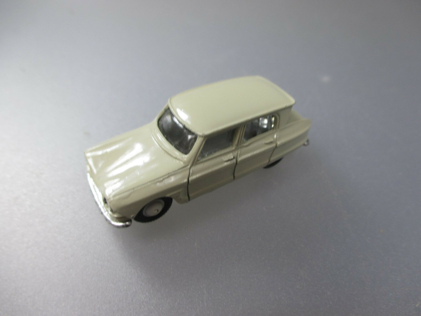 Norev Vintage  Citroen AMI 6, made in France, 1 86 Scale   (PKW43)