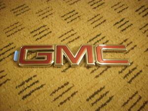 2015-2017 GMC Yukon GM OEM Chrome Yukon Rear Liftgate Emblem NEW
