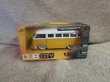 Jada Toys Dub City 1962 Volkswagen Bus - 1:32 Scale - #20003   (B 20)
