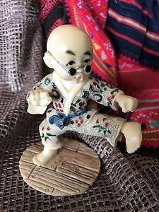 Old-Kung-Fu-Panda-Figurine-in-Engraved-Risen-beautiful-collection-piece