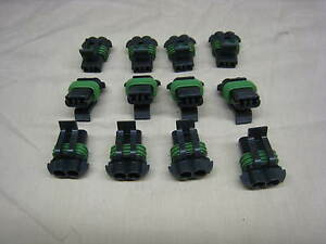 LOT OF 12 NEW 2 POST PIN CONNECTOR FEMALE TERMINALS 15300027 (D3)