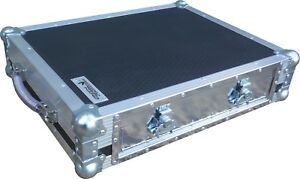 Native-Instruments-Traktor-Kontrol-S4-MK3-Controller-Swan-Flight-Case-DJ-Hex