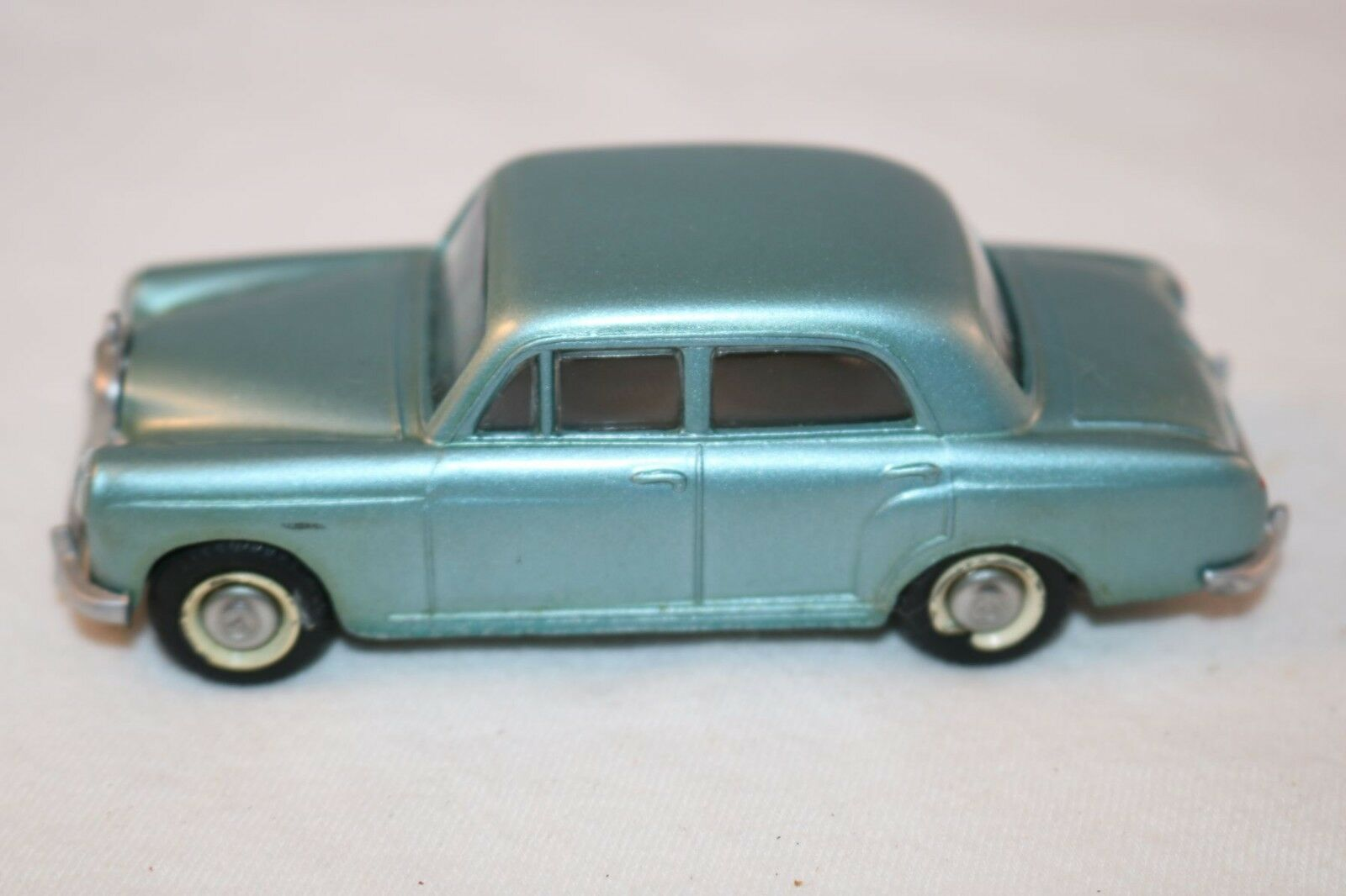 Tekno Denmark Denmark Denmark No.723 Mercedes Benz 180 near mint all original condition d615fd