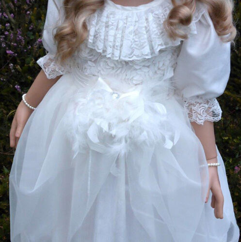 Hairpiece Masterpiece Dolls Allison Outfit Pantaloons /& Shoes Includes Dress