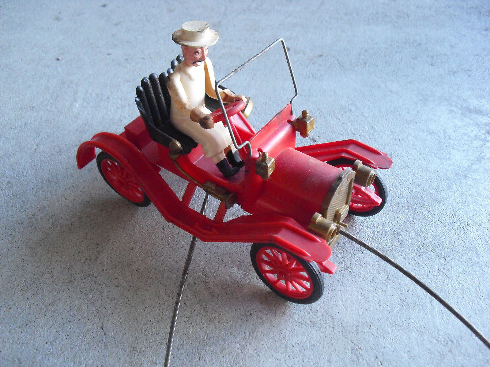 Vintage 1951 Revell 1910 Maxwell Car Action Pull Toy Car Works