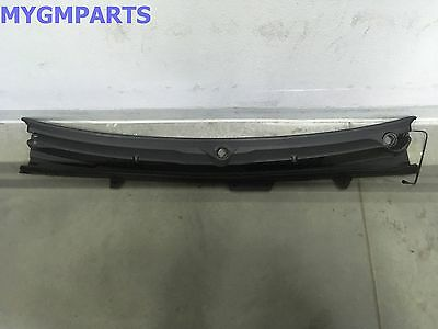 Chevrolet GM OEM-Cowl Grille Panel Windshield Wiper Cover Vent 23207951