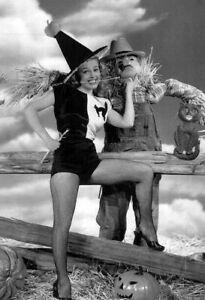 Vintage-Halloween-Scarecrow-Photo-680-Oddleys-Strange-amp-Bizarre