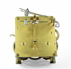 altes-Uhrwerk-Ersatzteil-f-Pendeluhr-Wanduhr-Tischuhr-Uhr-Uhrmacher-clock