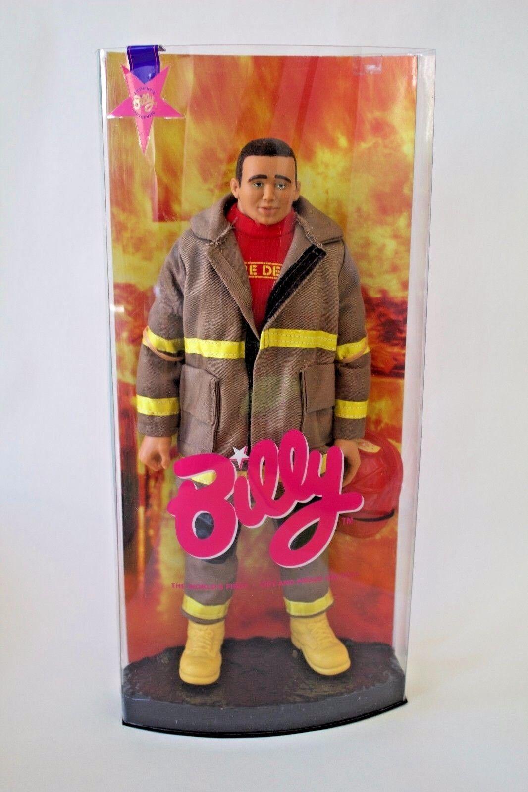Billy Muñeca Morena Gay Menta en caja botas de casco de Bombero Fuego Hombre Uniforme
