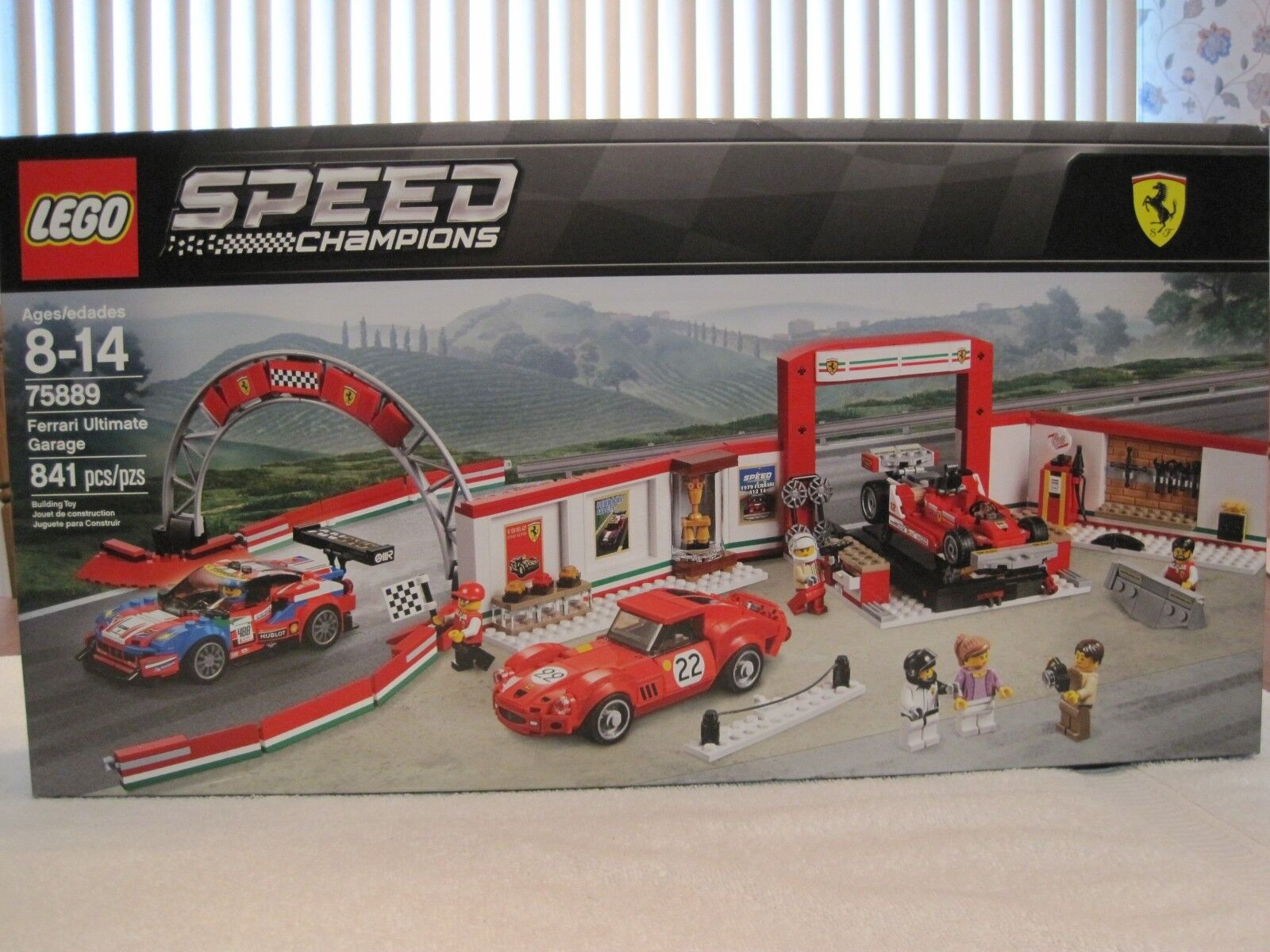 Lego 75889 Speed Champions Ferrari Ultimate Garage -- NEW -- FACTORY SEALED