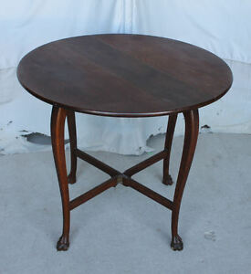 Antique-Oak-Drop-Leaf-Parlor-Lamp-Table-with-claw-feet