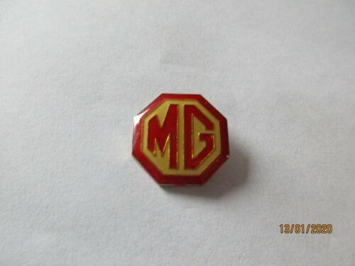 2,1 cm x 2,1 cm MG pin 04-03