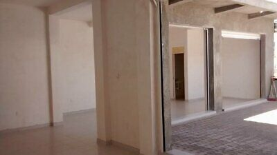 LOCAL COMERCIAL EN VENTA VILLAS DE SANTIAGO CLV171020-MG
