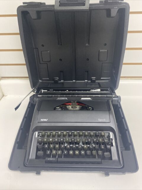 Royal Epoch Portable  Typewriter with Carrying Case Black