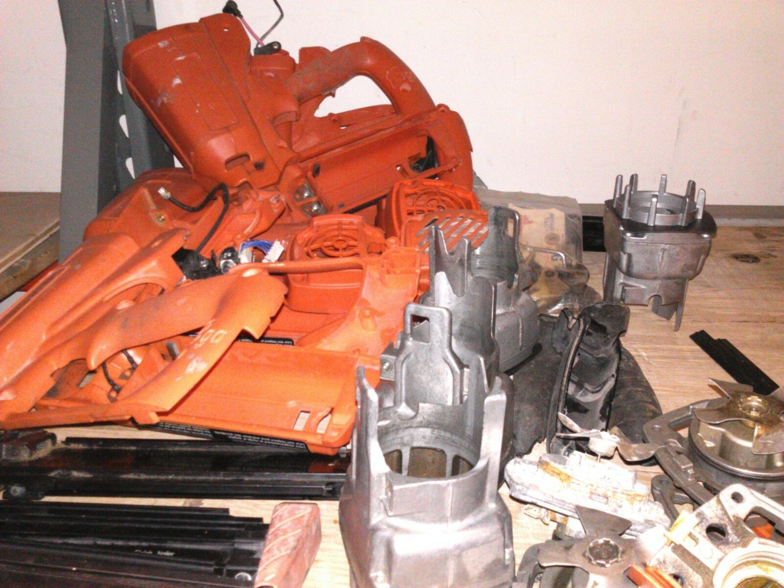901084 MAG WEAR ASY USED FOR 901000 IM200 F18 NAILER-ENTIRE PICTURE NOT FOR SALE