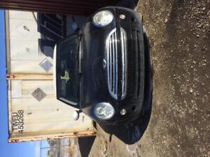 2006 Mini Cooper 1800$ best offer extra motor . Motor seized