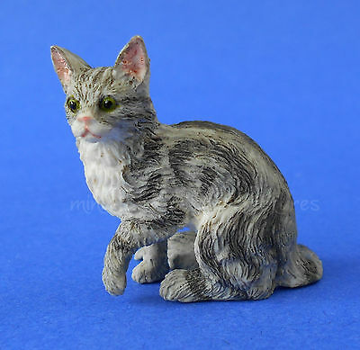 Miniature Dollhouse Gray Cat With Paw Up 1:12 Scale New