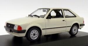 Maxichamps-1-43-escala-940-085001-1981-Ford-Escort-Gris